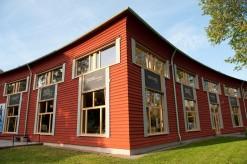 Värmlands Museum exteriört om hösten 2010.
